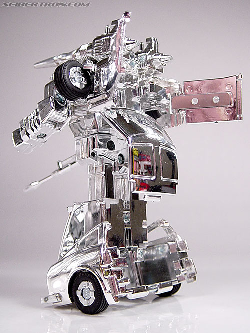 "Transformers e-Hobby Exclusives Silver Bluestreak (""Campaign Car"" version) (Image #33 of 48)"