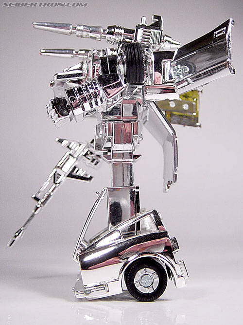 "Transformers e-Hobby Exclusives Silver Bluestreak (""Campaign Car"" version) (Image #34 of 48)"
