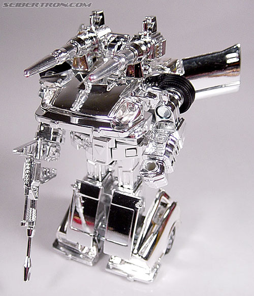 "Transformers e-Hobby Exclusives Silver Bluestreak (""Campaign Car"" version) (Image #36 of 48)"