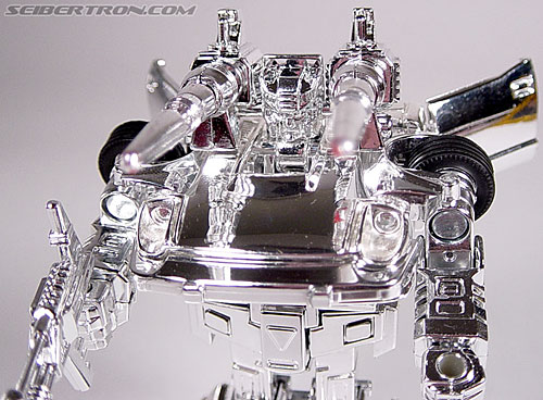 "Transformers e-Hobby Exclusives Silver Bluestreak (""Campaign Car"" version) (Image #37 of 48)"