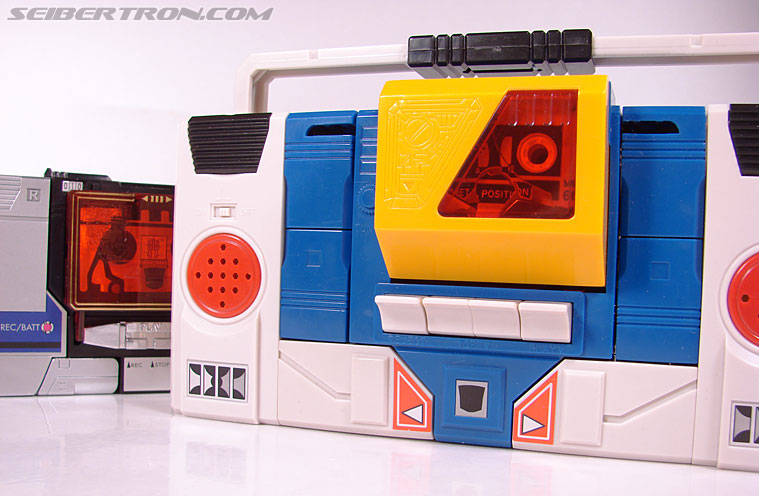 Transformers e-Hobby Exclusives Twincast (Reissue) (Image #39 of 101)