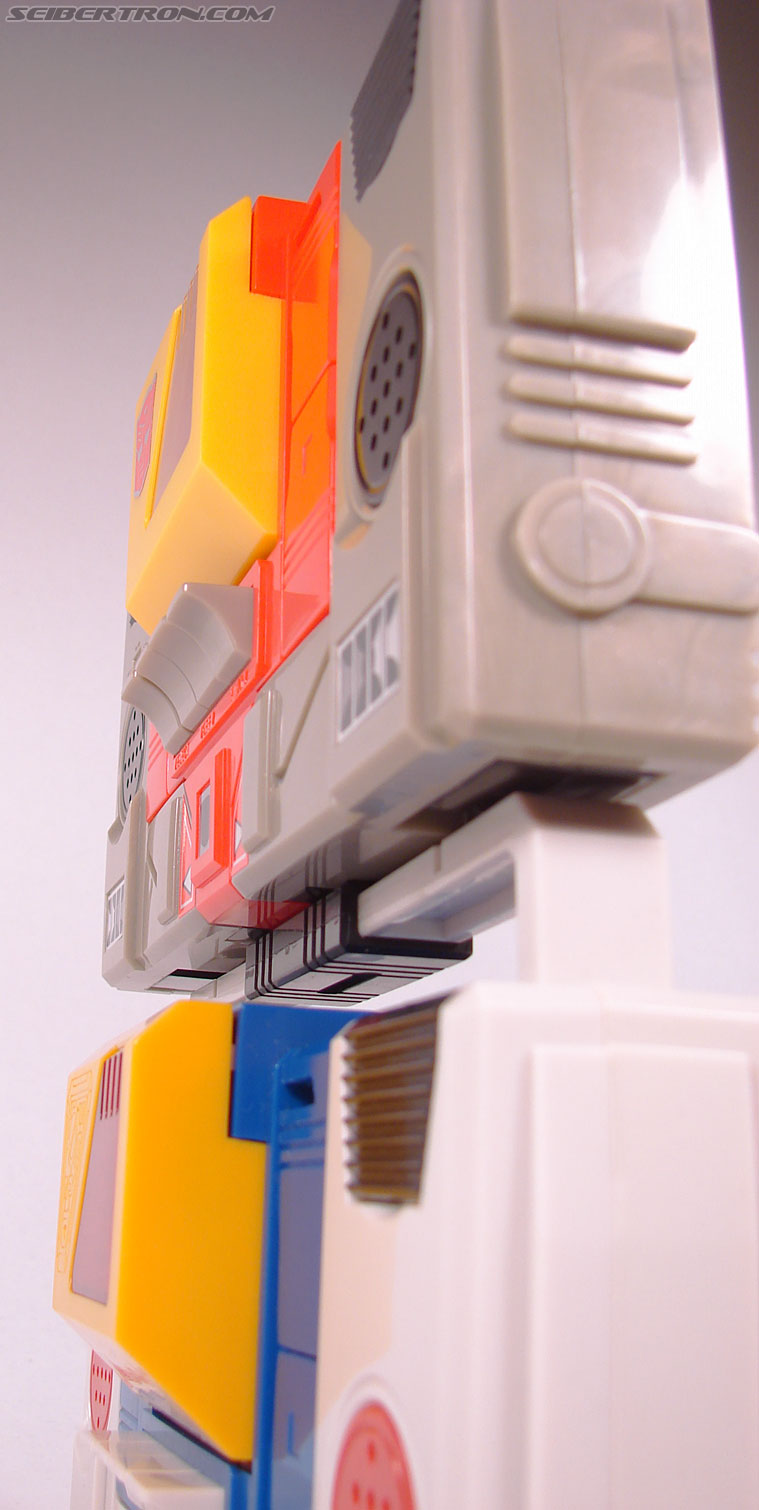 Transformers e-Hobby Exclusives Twincast (Reissue) (Image #45 of 101)