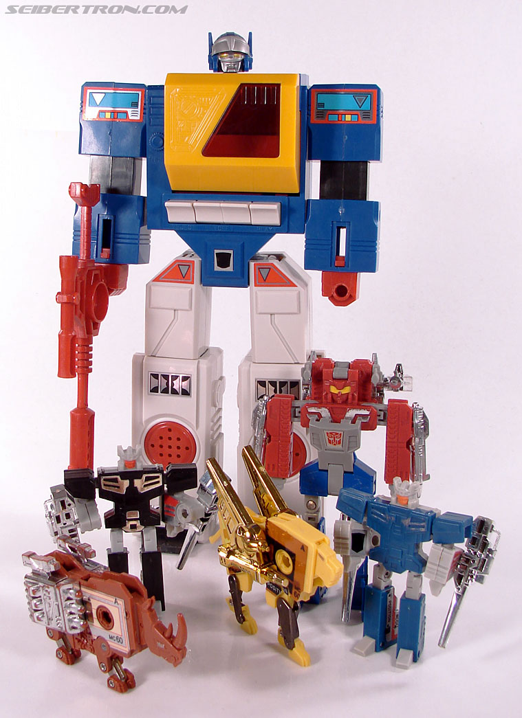 Transformers e-Hobby Exclusives Twincast (Reissue) (Image #82 of 101)