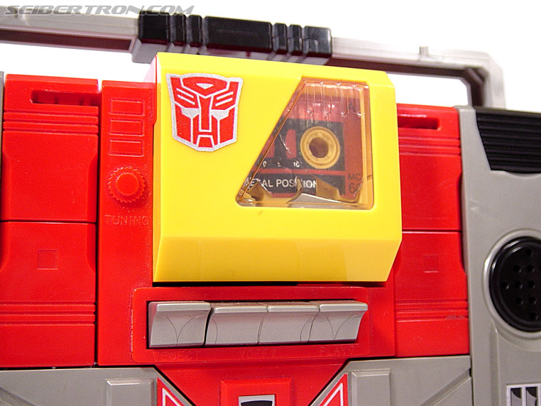 Transformers G1 1985 Blaster (Broadcast) (Image #9 of 35)