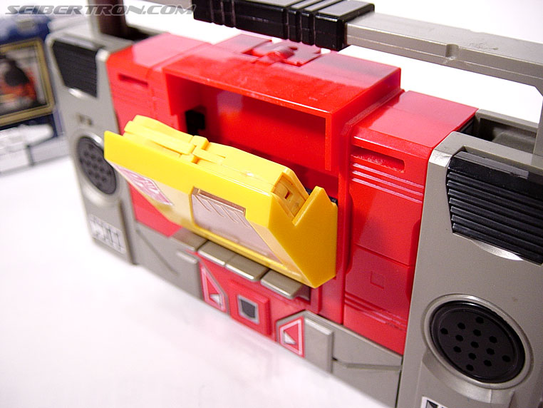 Transformers G1 1985 Blaster (Broadcast) (Image #14 of 35)