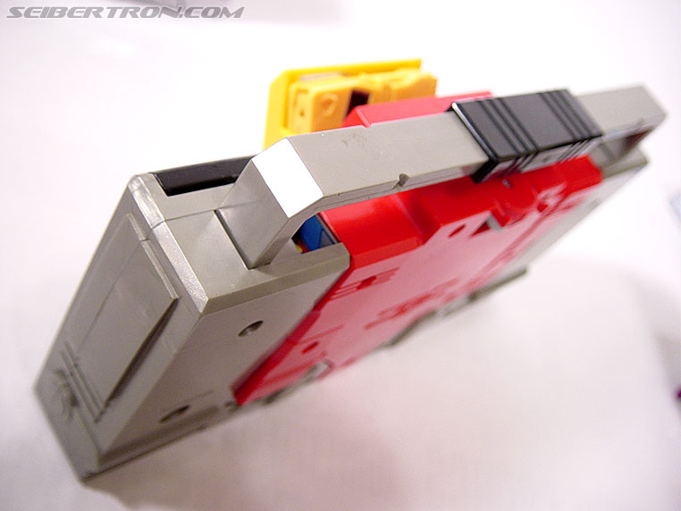 Transformers G1 1985 Blaster (Broadcast) (Image #15 of 35)