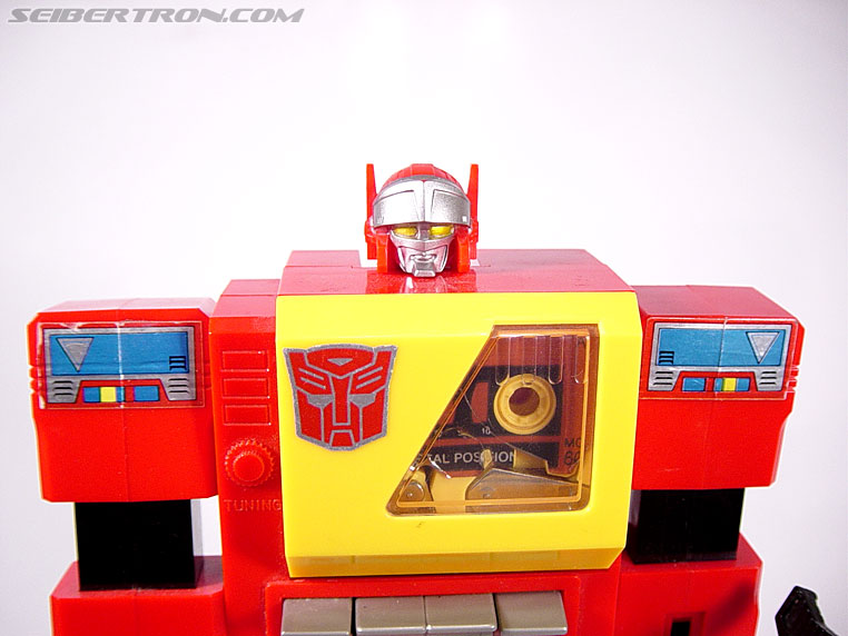 Transformers G1 1985 Blaster (Broadcast) (Image #28 of 35)