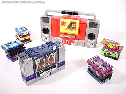 Transformers G1 1985 Blaster (Broadcast) (Image #1 of 35)