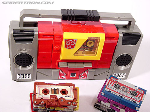 Transformers G1 1985 Blaster (Broadcast) (Image #12 of 35)