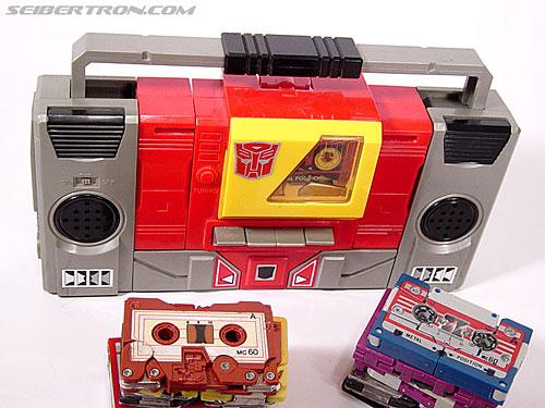 Transformers G1 1985 Blaster (Broadcast) (Image #12 of 35)
