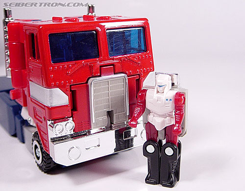 Transformers Super God Masterforce Optimus Prime (Ginrai) (Image #1 of 48)