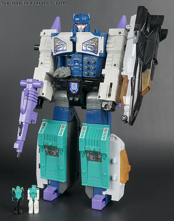New Masterforce galleries: Godmaster Overlord with Giga and Mega