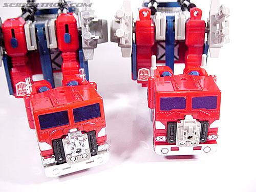 Transformers Super God Masterforce Powermaster Optimus Prime (Super Ginrai) (Image #7 of 64)