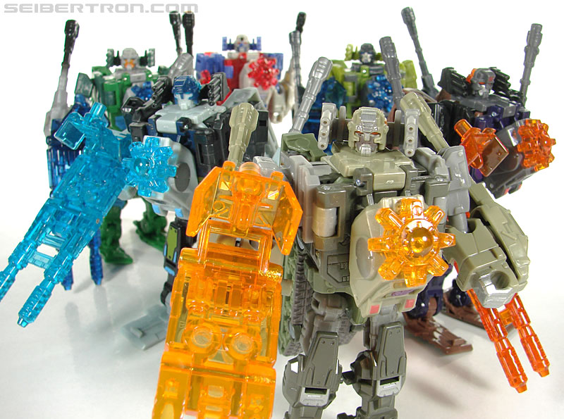 Transformers Universe - Classics 2.0 Brawl (Image #129 of 130)