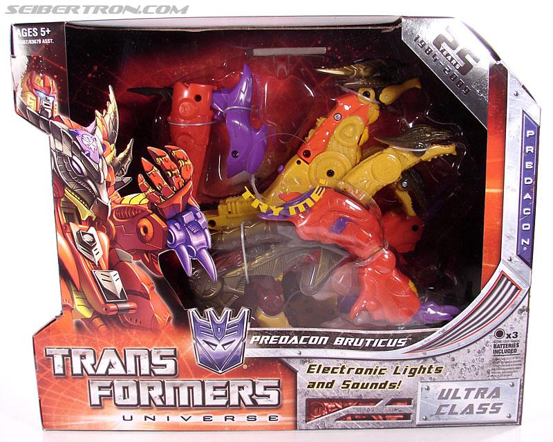 Transformers Universe - Classics 2.0 Bruticus (Image #1 of 128)