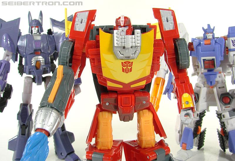 Transformers Universe - Classics 2.0 Rodimus (Challenge At Cybertron) (Image #100 of 119)
