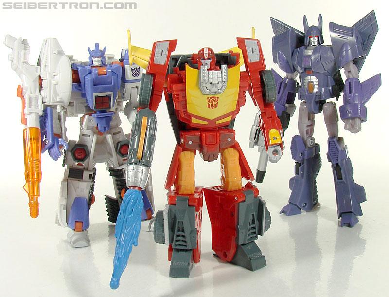 Transformers Universe - Classics 2.0 Rodimus (Challenge At Cybertron) (Image #101 of 119)