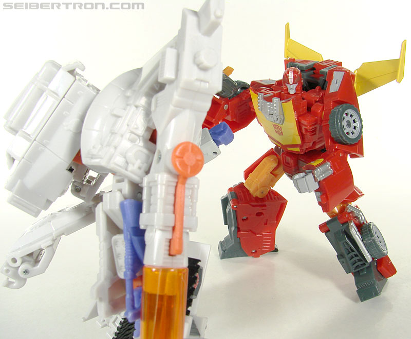 Transformers Universe - Classics 2.0 Rodimus (Challenge At Cybertron) (Image #103 of 119)
