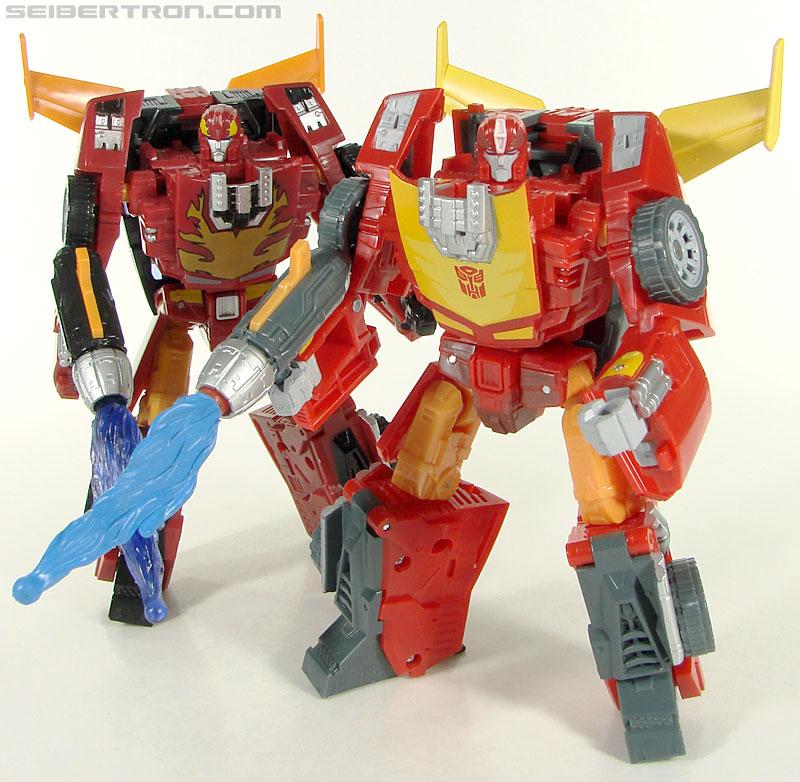 Transformers Universe - Classics 2.0 Rodimus (Challenge At Cybertron) (Image #107 of 119)