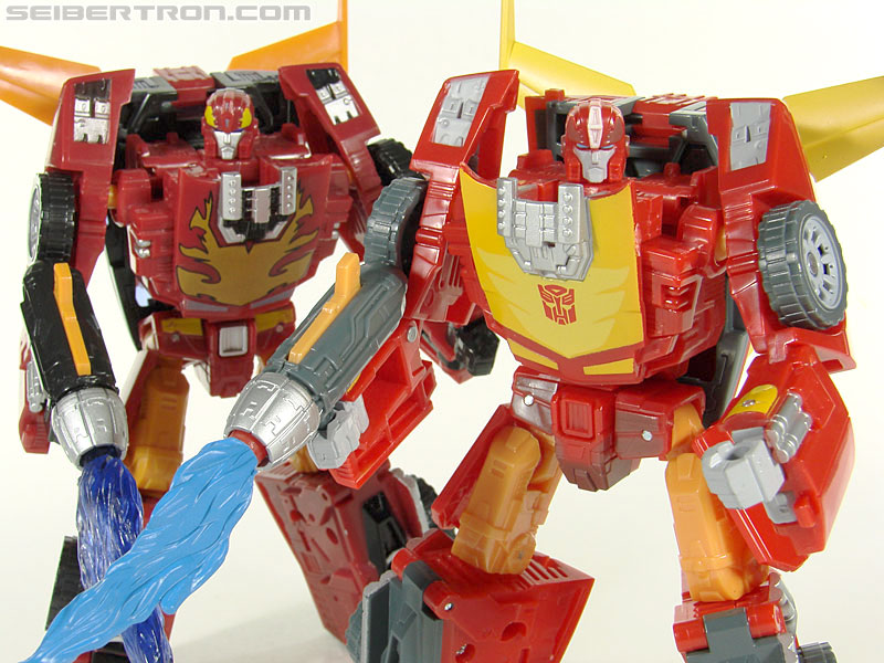 Transformers Universe - Classics 2.0 Rodimus (Challenge At Cybertron) (Image #108 of 119)