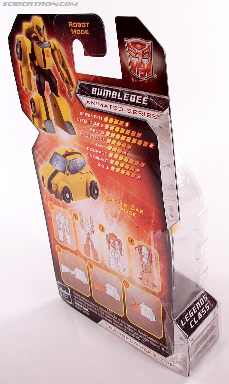 Transformers Universe - Classics 2.0 Bumblebee (Image #3 of 52)