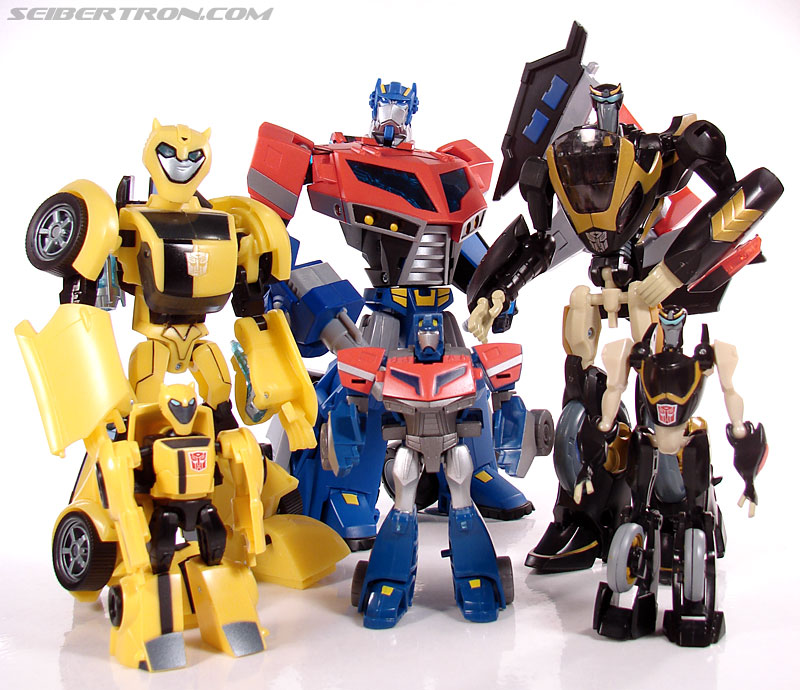Transformers Universe - Classics 2.0 Bumblebee (Image #51 of 52)