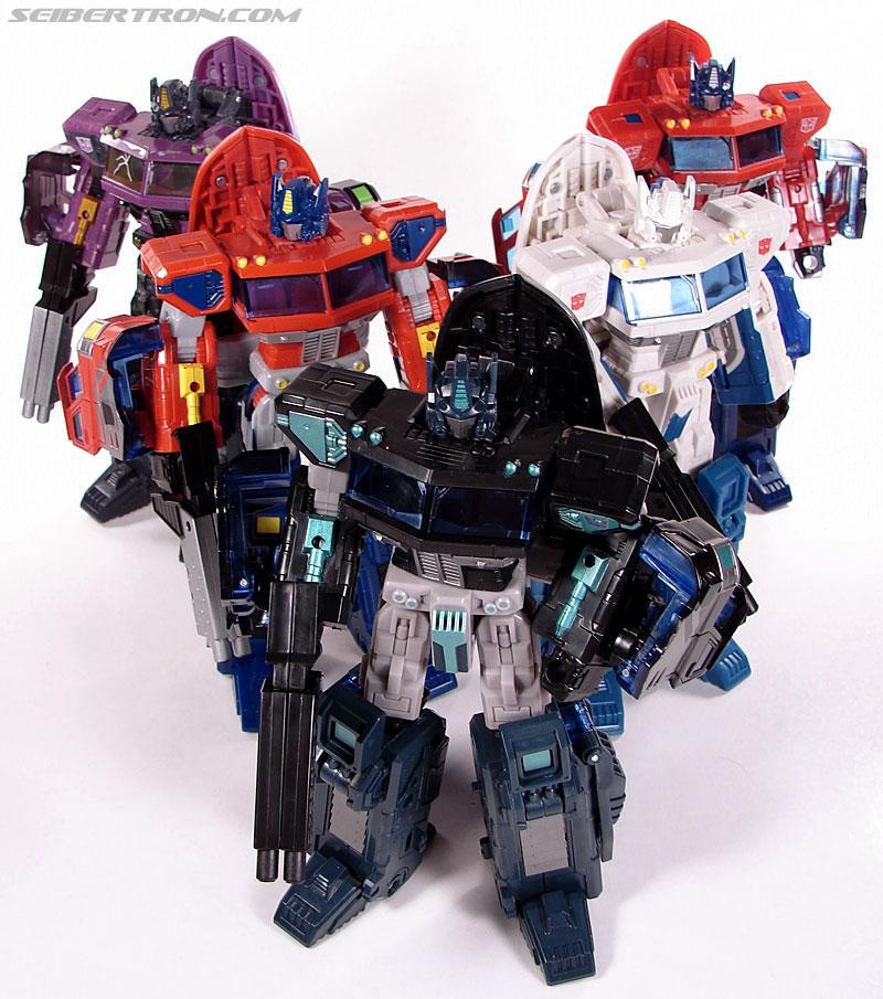 Transformers Universe - Classics 2.0 Nemesis Prime (Black Convoy) (Image #109 of 119)