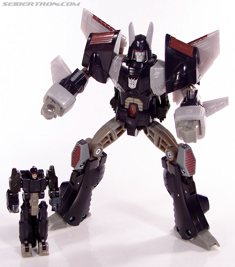 Transformers Universe - Classics 2.0 Nightstick (Image #52 of 55)