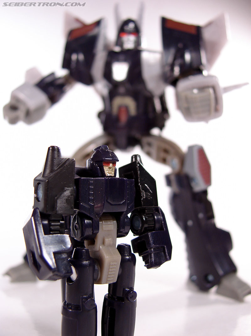 Transformers Universe - Classics 2.0 Nightstick (Image #54 of 55)
