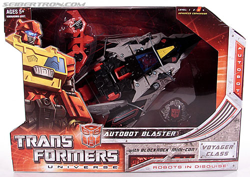 Transformers Universe - Classics 2.0 Blaster (Image #1 of 132)