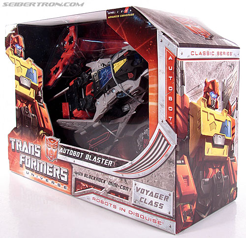 Transformers Universe - Classics 2.0 Blaster (Image #17 of 132)