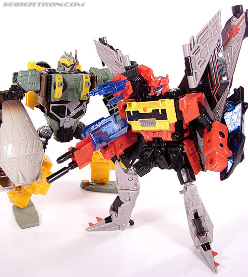 Transformers Universe - Classics 2.0 Blaster (Image #131 of 132)
