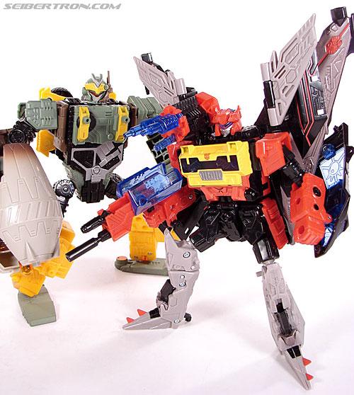 Transformers Universe - Classics 2.0 Blaster (Image #131 of 132)