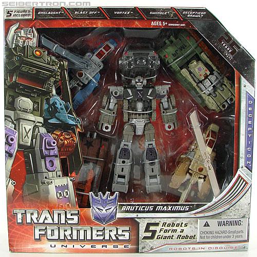 Transformers Universe - Classics 2.0 Bruticus Maximus (Image #1 of 152)