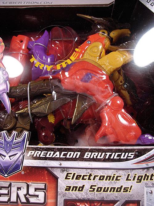 Transformers Universe - Classics 2.0 Bruticus (Image #4 of 128)