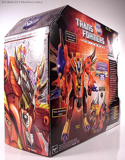 Transformers Universe - Classics 2.0 Bruticus (Image #15 of 128)