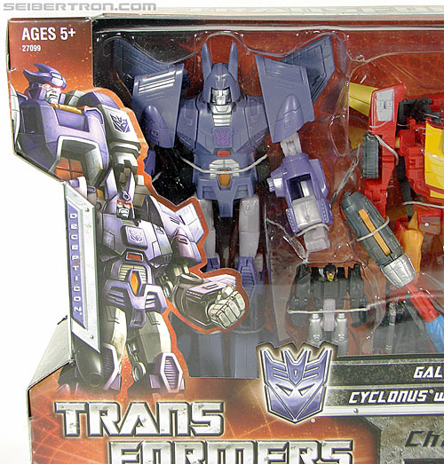 Transformers Universe - Classics 2.0 Cyclonus (Challenge at Cybertron) (Image #2 of 155)