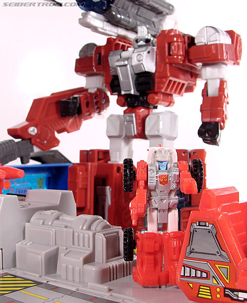 Transformers Universe - Classics 2.0 Countdown (Image #167 of 168)