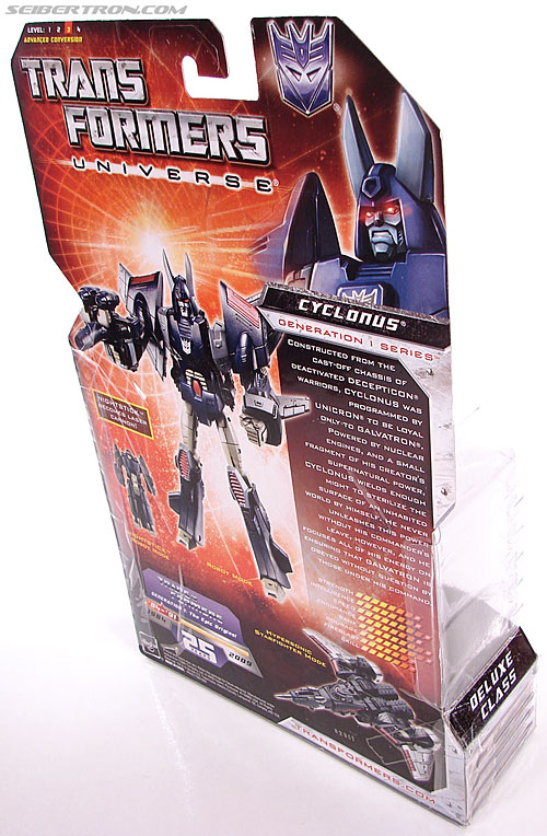Transformers Universe - Classics 2.0 Cyclonus (Image #18 of 195)