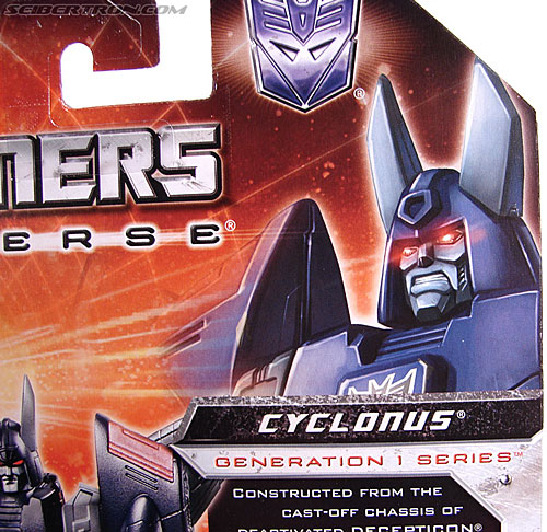 Transformers Universe - Classics 2.0 Cyclonus (Image #22 of 195)