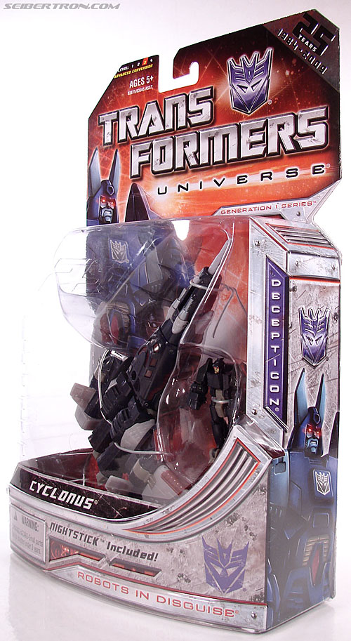 Transformers Universe - Classics 2.0 Cyclonus (Image #29 of 195)