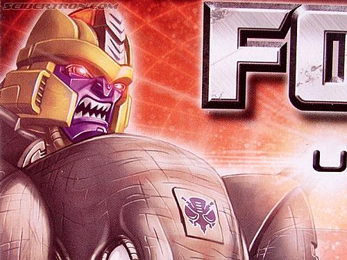 Transformers Universe - Classics 2.0 Dinobot (Image #4 of 181)