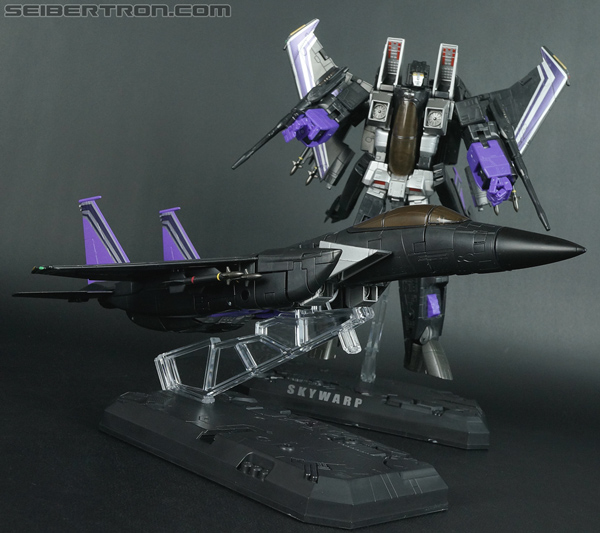 Transformers Universe - Classics 2.0 Skywarp (Image #223 of 224)