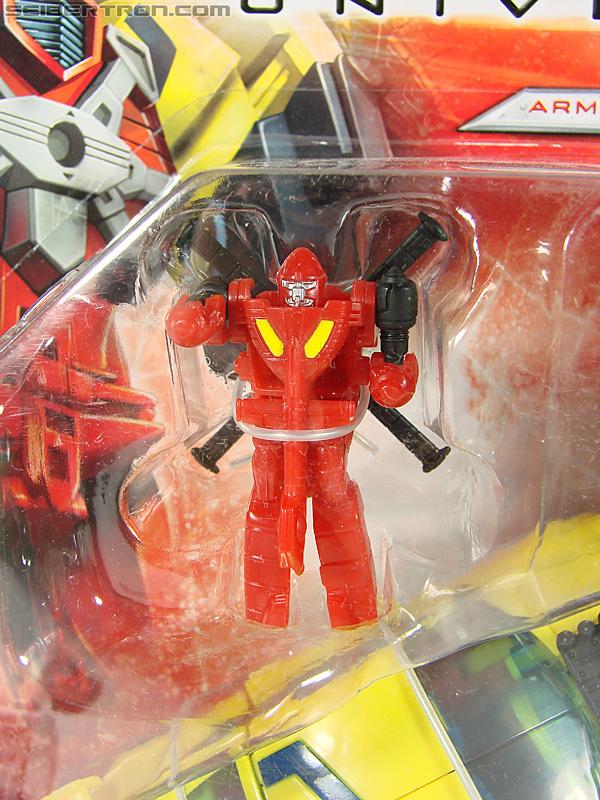 Transformers Universe - Classics 2.0 Hot Shot (Hot Rod) (Image #2 of 202)