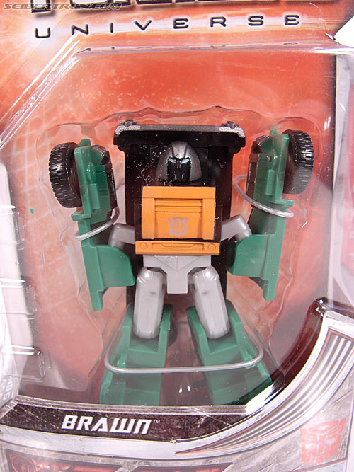 Transformers Universe - Classics 2.0 Brawn (Gong) (Image #2 of 66)