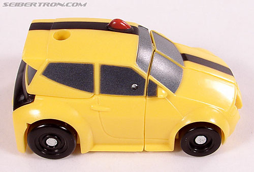 Transformers Universe - Classics 2.0 Bumblebee (Image #13 of 52)
