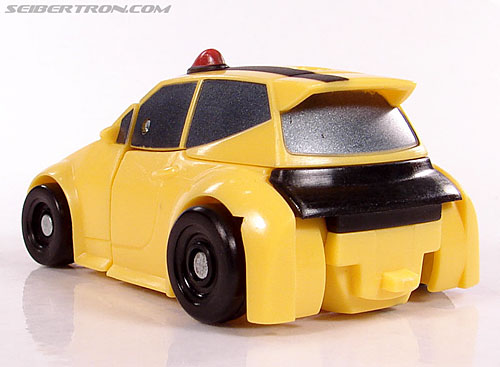 Transformers Universe - Classics 2.0 Bumblebee (Image #17 of 52)