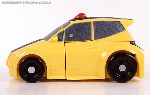 Transformers Universe - Classics 2.0 Bumblebee (Image #18 of 52)