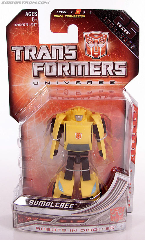 Transformers Universe - Classics 2.0 Bumblebee (Image #1 of 69)