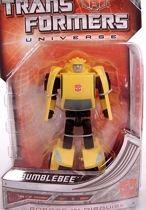 Transformers Universe - Classics 2.0 Bumblebee (Image #2 of 69)